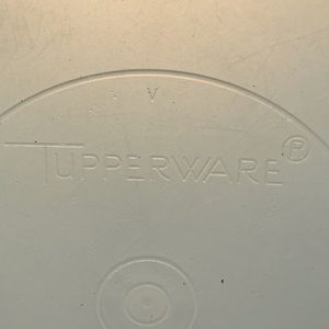 Tupperware- Round Container